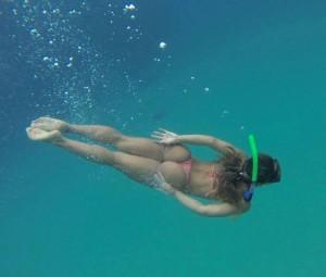 Underwater bikini babe